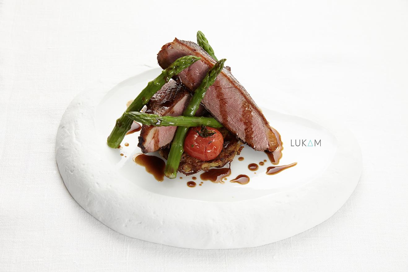 Noix d'Entrecôte de Veau Aux Morillons et légumes oubliés aux senteurs de truffes